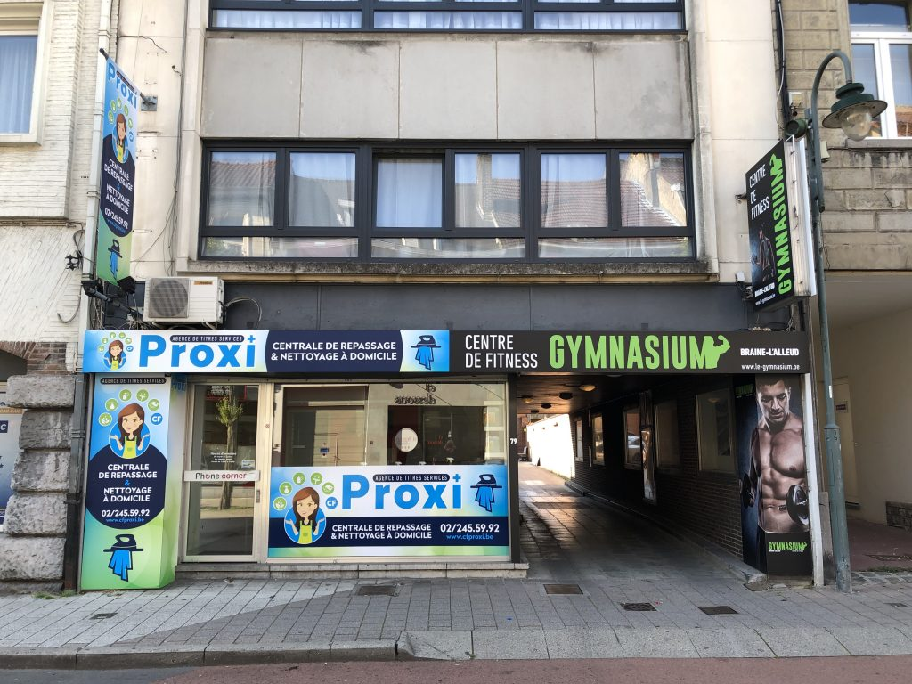 Le Gymnasium et CF Proxi à Braine-L'Alleud - Façade